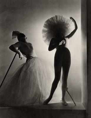 Horst P. Horst, Dali Costume, 1939.jpg