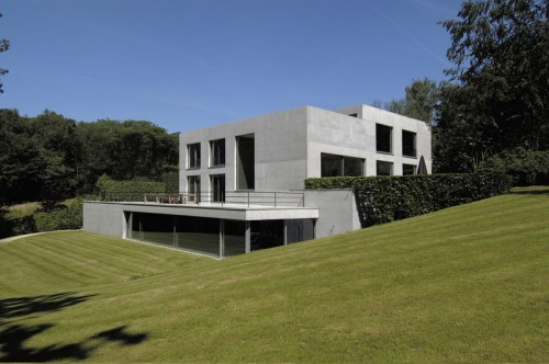 uccle_contemporary_modern_belgium_concrete_property.jpg