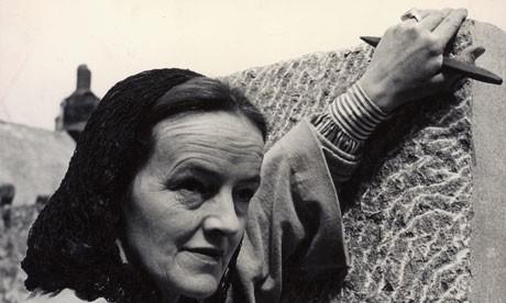 Barbara-Hepworth-006-1.jpg