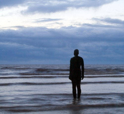 Antony_Gormley_-_Another_Place_-_Crosby_Beach_02.jpg