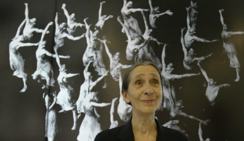 2-photos-people-spectacle-Pina-Bausch-souriante.jpg