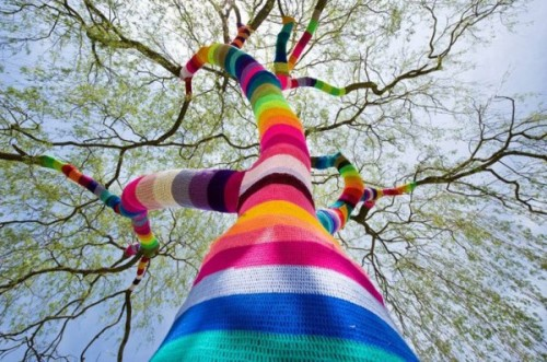 2-street_art_june_2_yarn_crochet1-600x398.jpg