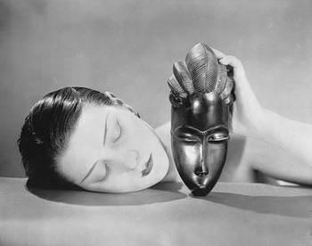 Man Ray, Noire et Blanche 1936.jpg