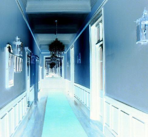 corridorhotel.JPG